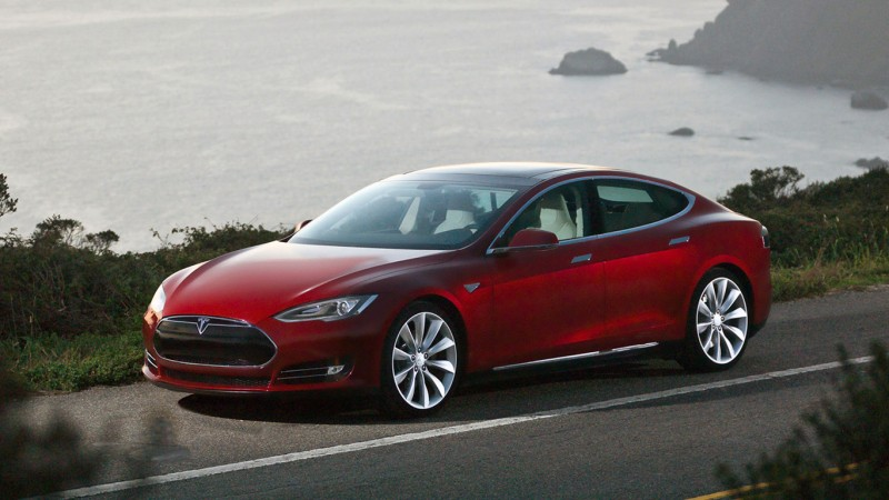 0710_tesla_model_s_02_medium-02f9b29272b4a545ab635d30c4d94cdd11cd76d9