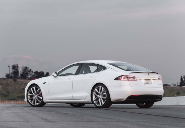 2017-Tesla-Model-S-P100D-rear-three-quarter-02.jpg