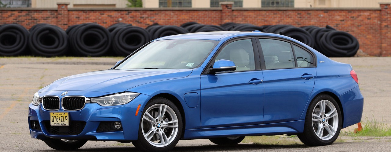 2016-bmw-330e-review.jpg
